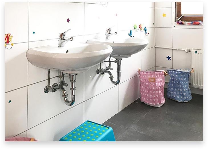 5Stars Kindertagespflege Tagesmutter Lübeck Innenaufnahme Badezimmer 1. OG