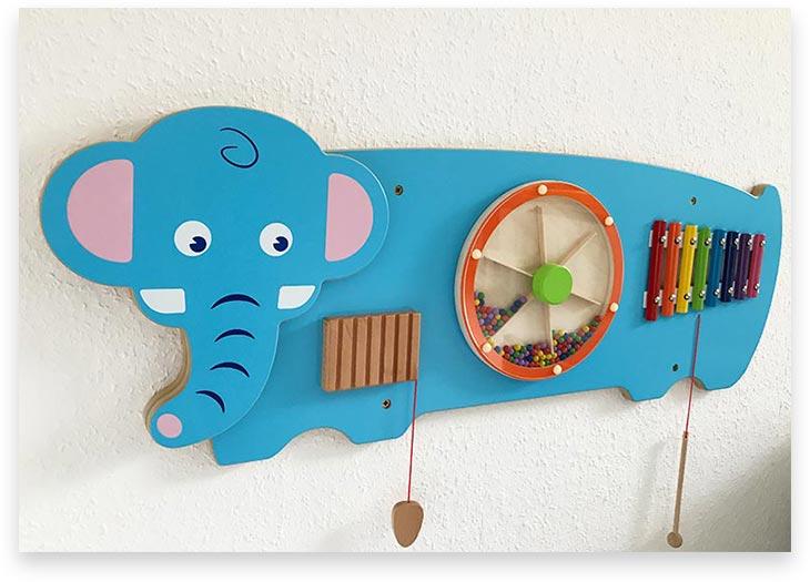5Stars Kindertagespflege Tagesmutter Lübeck Innenaufnahme Wandspielzeug Jumbo